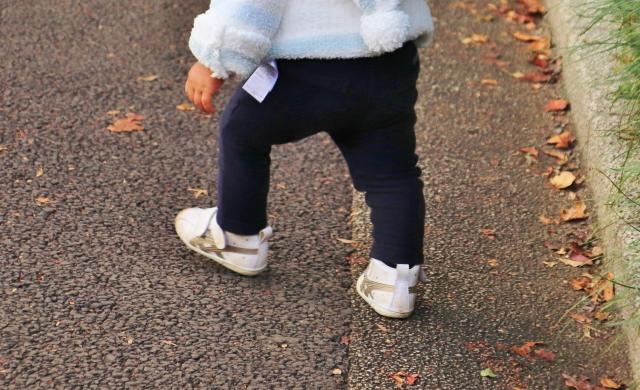 子供と大人の足や歩き方の違い 1歳~3歳の足の成長と靴の選び方